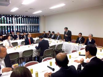 自民農林合同会議、新井局長「月末にはワクチン接種できる県出る」