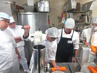 全肉連が加工研修会開く、多彩な商品バリエーションなど学ぶ