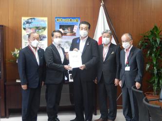 平井鳥取県知事が藤木農水政務官にコロナ影響の支援強化で要請